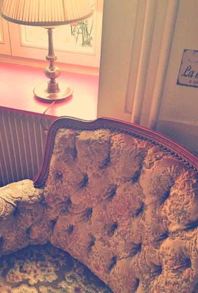 Gemütlicher Sessel in Lina's Bar